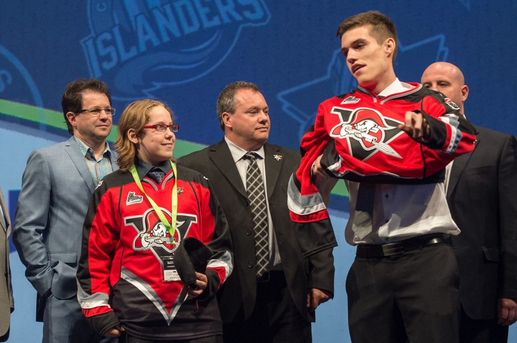 Benjamin Gagné being drafted to the Drummondville Voltigeurs at the 2014 QMJHL Entry Draft in Sherbrooke, QC. (Credit: Vincent Ethier/LHJMQ)